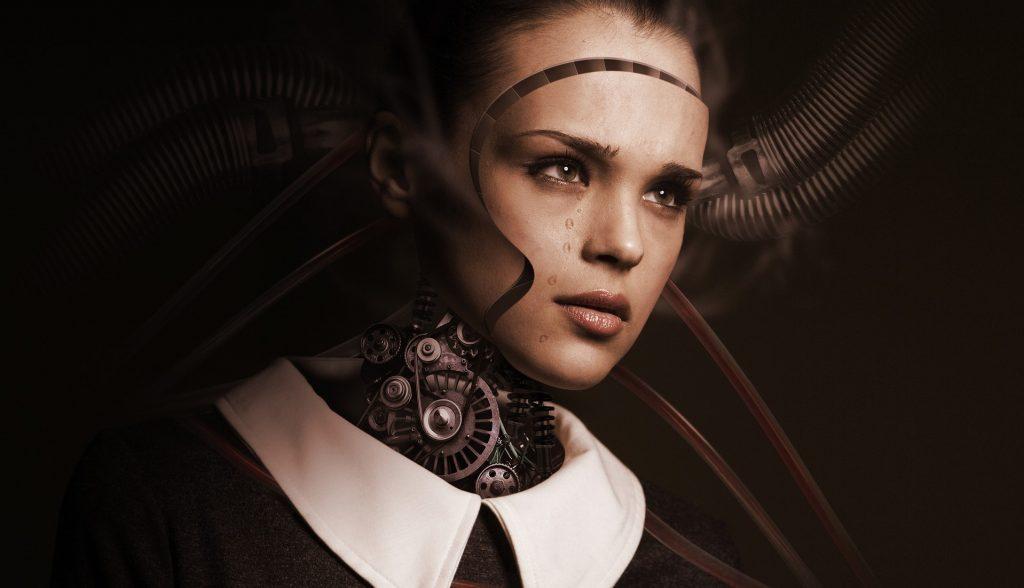робот с лице на жена